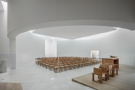 «Anastasis», un lieu spirituel au style épuré
