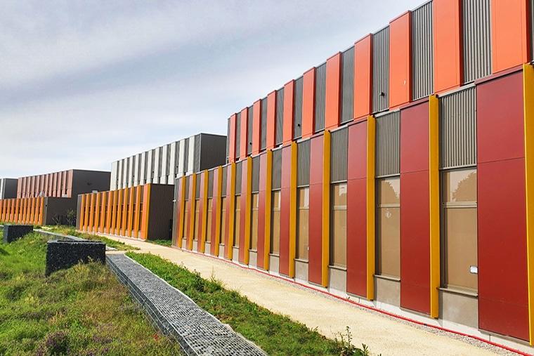 Élégantes façades pour le Spirit Business Cluster